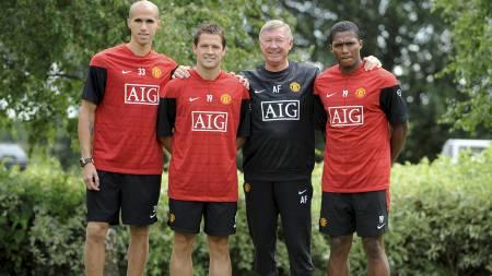 DISSE ERSTATTER RONALDO OG TEVEZ: Obertan, Owen og Valencia vises frem av Sir Alex Ferguson.  (Foto: NIGEL RODDIS/REUTERS)