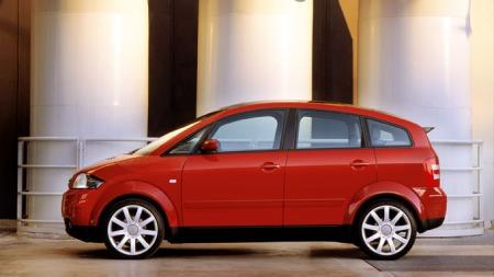 Audi A2, med karosseri av aluminium. Den veier kun 855 kg.