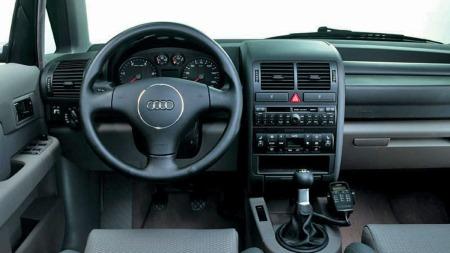 Typisk Audi dashbord i A2