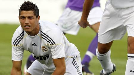 Cristiano Ronaldo  (Foto: CATHAL MCNAUGHTON/REUTERS)