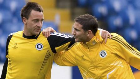 John Terry og Frank Lampard.  (Foto: DANIEL HAMBURY/EPA)