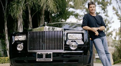 RÅ LUKSUS: Simon Cowells enorme suksess gjenspeiler   seg i det britiske råskinnet Rollys Royce Phantom.