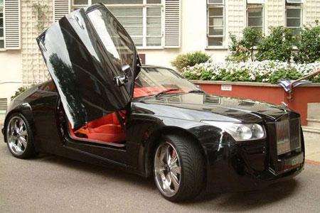 En herlig miks av Nissan 350Z og Rolls-Royce. (Foto: Car Domain)