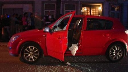 Den drepte og en annen mann satt i denne bilen da det ble skutt mot dem. (Foto: TV 2)