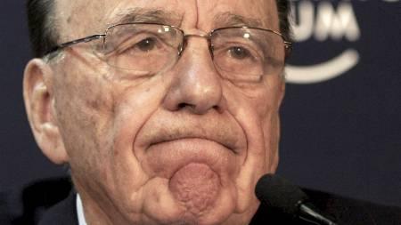 KRISE: Rupert Murdoch reiser til London for å håndtere avisskandalen. (Foto: Virginia Mayo/AP)