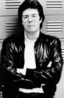 John Hughes var regissøre, produsent og manusskribent. Han døde torsdag, 59 år gammel.