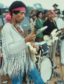 Jimi Hendrix entret Woodstock-scenen mandag, siste   dagen.