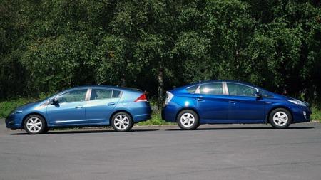 Honda Insight er som snytt ut av Toyota Prius. (Foto: Sigmund Bade)