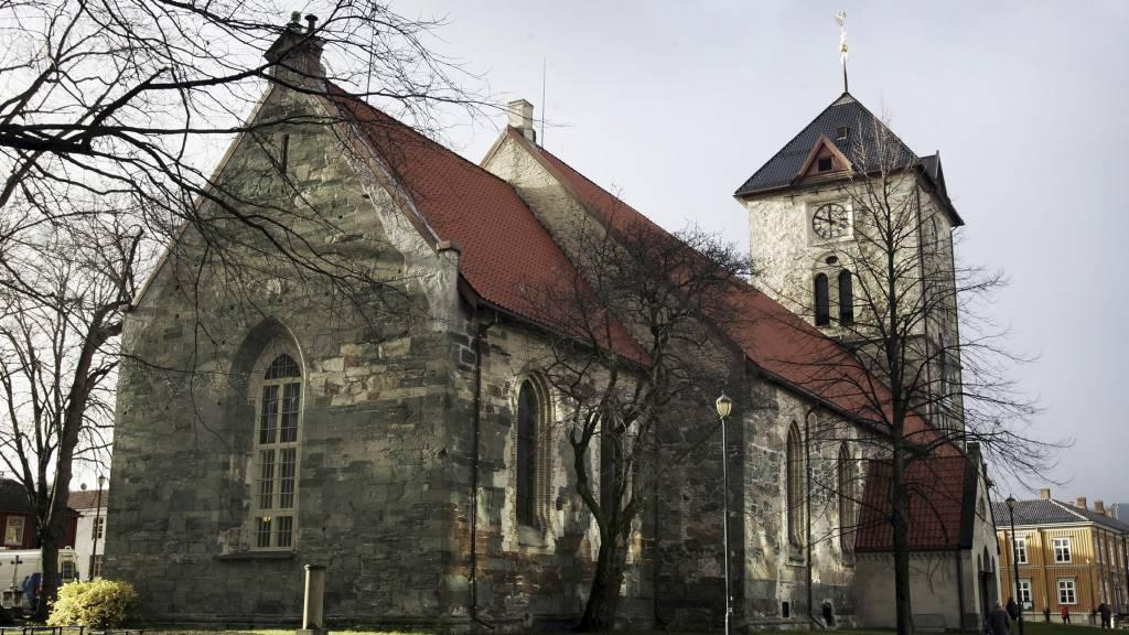 Den norske kirke skal kartlegge kirkesikkerhet. I perioden fra 1970 til 2000 mistet Den norske kirke ett kirkebygg i året på grunn av brann. (Foto: Gorm Kallestad/SCANPIX)