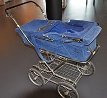 Denne barnevognen var utstyrt med kamera og ble brukt under spaningsoppdrag i Helsinki.