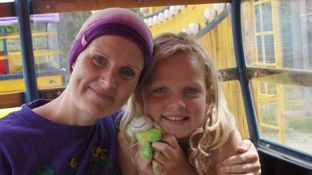 Inger Anne og datteren Berit (10) (Foto: privat)