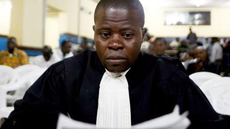 SKREV FEIL: ¿ Jeg skrev feil, innrømmet statsadvokatens representant, Jean Nakombo Mandjo, i militærdomstolen i Kisangani.  (Foto: Scanpix)