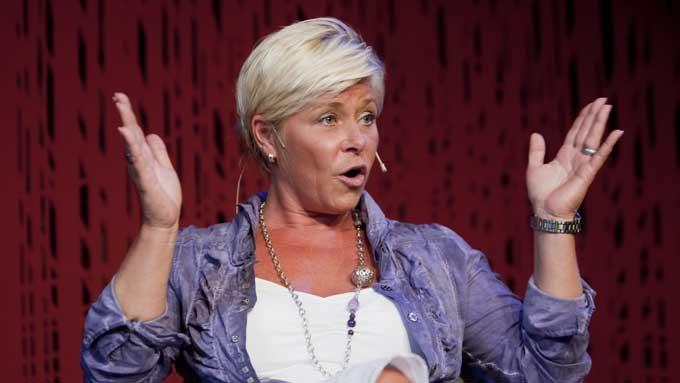 Partileder Siv Jensen (Frp) mener regjeringen bruker for mye penger uten mål og mening.  (Foto: SCANPIX)
