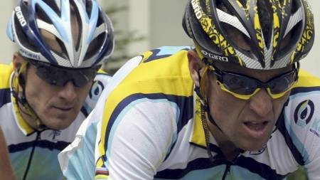 Lance Armstrong, Levi Leipheimer  (Foto: DAMIEN MEYER/AFP)