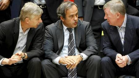 Wenger, Platini og Ferguson  (Foto: DENIS BALIBOUSE/REUTERS)