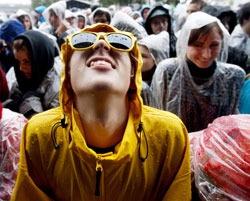 Øyafestivalen i Oslo i midten av august var en våt fornøyelse. (Foto: Kyrre Lien / SCANPIX)