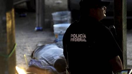 VOLDELIG DØGN: Minst 40 personer har blitt drept i narkotikarelaterte saker i Mexico det siste døgnet.  (Foto: STRINGER/MEXICO/REUTERS)
