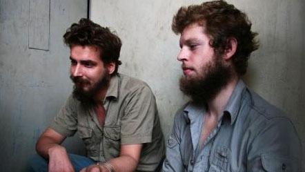 BARE TIMER IGJEN: De tiltalte har sin siste morgen på cellen uten dom. Joshua French og Tjostolv Moland frykter en dødsdom.  (Foto: Fredrik Græsvik / TV 2)