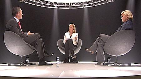 Her er Jens Stoltenberg (Ap) og Siv Jensen (Frp) deltakere i TV 2s program «Din neste statsminister». (Foto: TV 2)