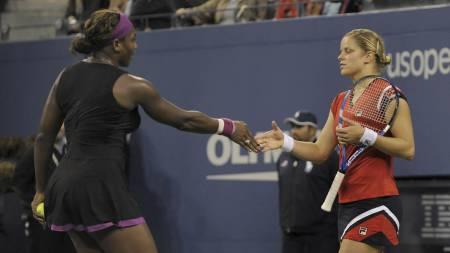 Serena Williams og Kim Clijsters (Foto:   TIMOTHY A. CLARY/AFP)
