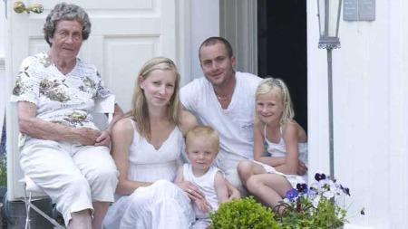 «Norges vakreste hjem 2009» ble vunnet av familien Kvernstad fra  Skogland i Hokksund. (Foto: Sveinung Bråthen)