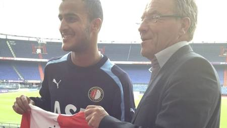 SIGNERTE: Harmeet Singh signerte for Feyenoord. (Foto: TV 2 Sporten/)