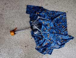 Paraply er ikke tingen når det blåser kuling. (Foto: Kyrre Lien / SCANPIX)
