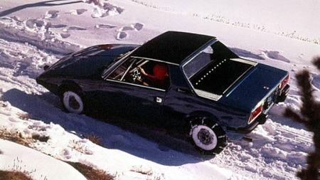 I snøen med kjettinger...