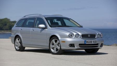 Jaguar X-Type stasjonsvogn er mye firehjulstrekker for rundt 200.000 kroner.