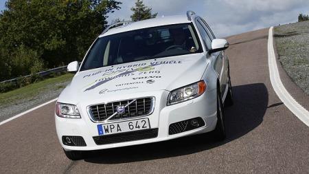 Foreløpig er den bare et konsept. Men plug in-hybrid av Volvo V70 kommer garantert. (Foto: Fred Magne Skillebæk)