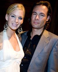 SUKSESS: Kathrine Sørland håvet inn penger på lørdag. Her med ektemannen Andreas Holck ved en tidligere anledning.