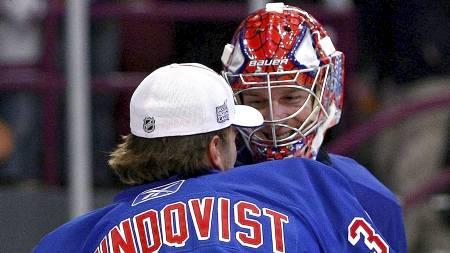 Henrik Lundqvist og Steve Valiquette - New York Rangers. (Foto: Chris McGrath/AFP)