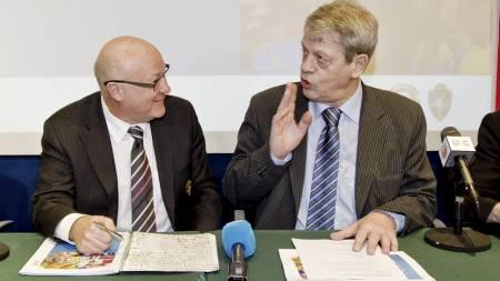 - HENT LAGERBÄCK: Lars-Åke Lagrell i Sveriges Fotballforbund   anbefaler Sondre Kåfjord og NFF å hente Lars Lagerbäck som norsk landslagssjef.   (Foto: Poppe, Cornelius/SCANPIX)