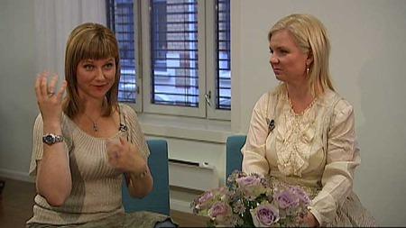 Prinsesse Märtha Louise og Elisabeth Samnøy gir ut boken «Møt din skytsengel». (Foto: Tommy Storhaug)