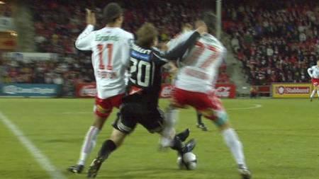 HARDT TAKLET: John Anders Bjørkøy har slitt med store skader etter taklingen i oktober 2009. (Foto: TV 2 Sporten/)