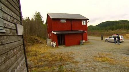 På baksiden av dette huset ble den drepte 15-åringen funnet.   Huset ligger ved travbanen i Skaun.