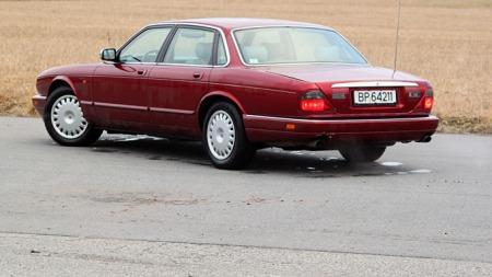 Jaguar XJ (Foto: Ole Martin Lundefaret)