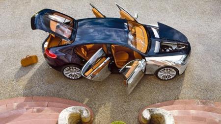 Bugatti Galibier over dører oppe