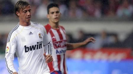 PÅ VEI BORT: Guti er på vei bort fra Real Madrid. (Foto: FELIX ORDONEZ/REUTERS)