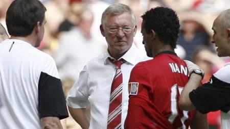 I STRUPEN PÅ FERGUSON: Nani går til et oppsiktsvekkende angrep   på Sir Alex Ferguson. (Foto: IAN KINGTON/AFP)