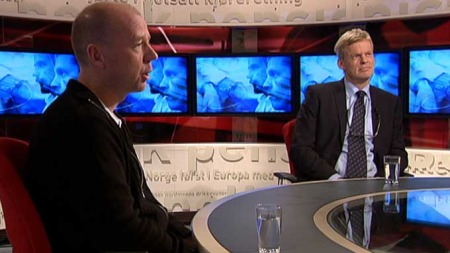 Kongo-ekspert Morten Bøås og advokat Morten Furuholmen under   torsdagens Tabloid-sending. (Foto: TV 2)