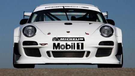 Porsche 911 GT3 RS er sprek som et uvær - og heldgvis stopper den også fort.