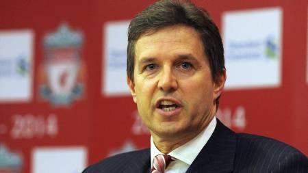 FREDER BENITEZ: Liverpool-direktør Christian Purslow lover at Liverpool ikke selger stjernene for å betjene gjeld. (Foto: ANDREW YATES/AFP)