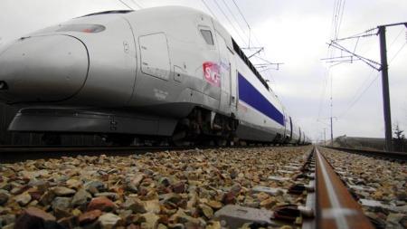 I Frankrike ble det første TGV-lyntoget satt i trafikk i 1981.