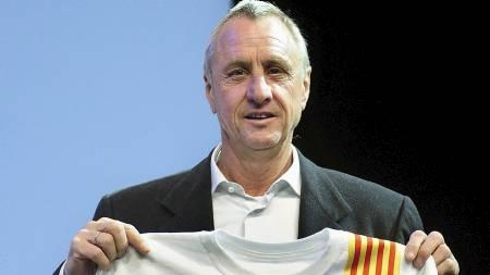 SLAKTER REAL: Johan Cruyff mener Barcelona spiller en helt annen fotball enn Real Madrid. (Foto: MANU FERNANDEZ/AP)