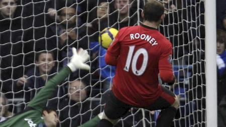 Wayne Rooney   (Foto: LEFTERIS PITARAKIS/AP)