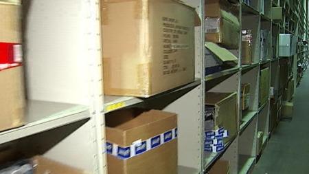 Reolene tømmes fort i lageret til nettbutikken flust.no.