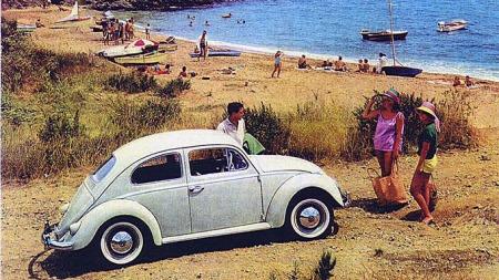 VW reklame fra tidlig på -60 tallet. Damer, sol og strand....