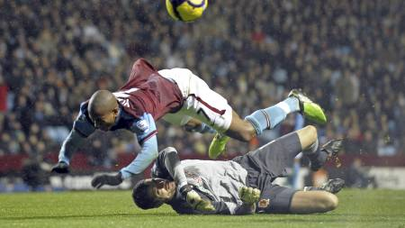 Ashley Young (Foto: Olly Greenwood/AFP)