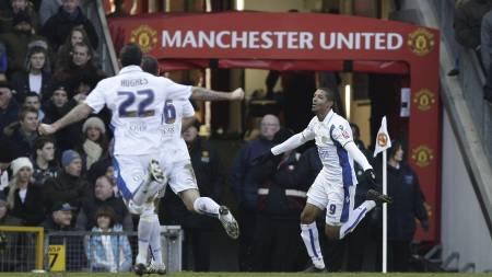 MØTER GAMMEL RIVAL: Leeds tar imot Manchester United i den tredje runden i Ligacupen. (Foto: Jon Super/AP)